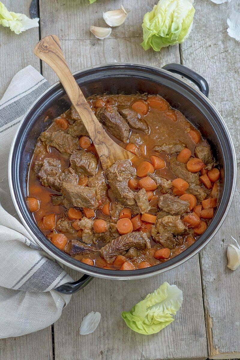 Stoofvlees met worteltjes - Recept voor Koningsdag.