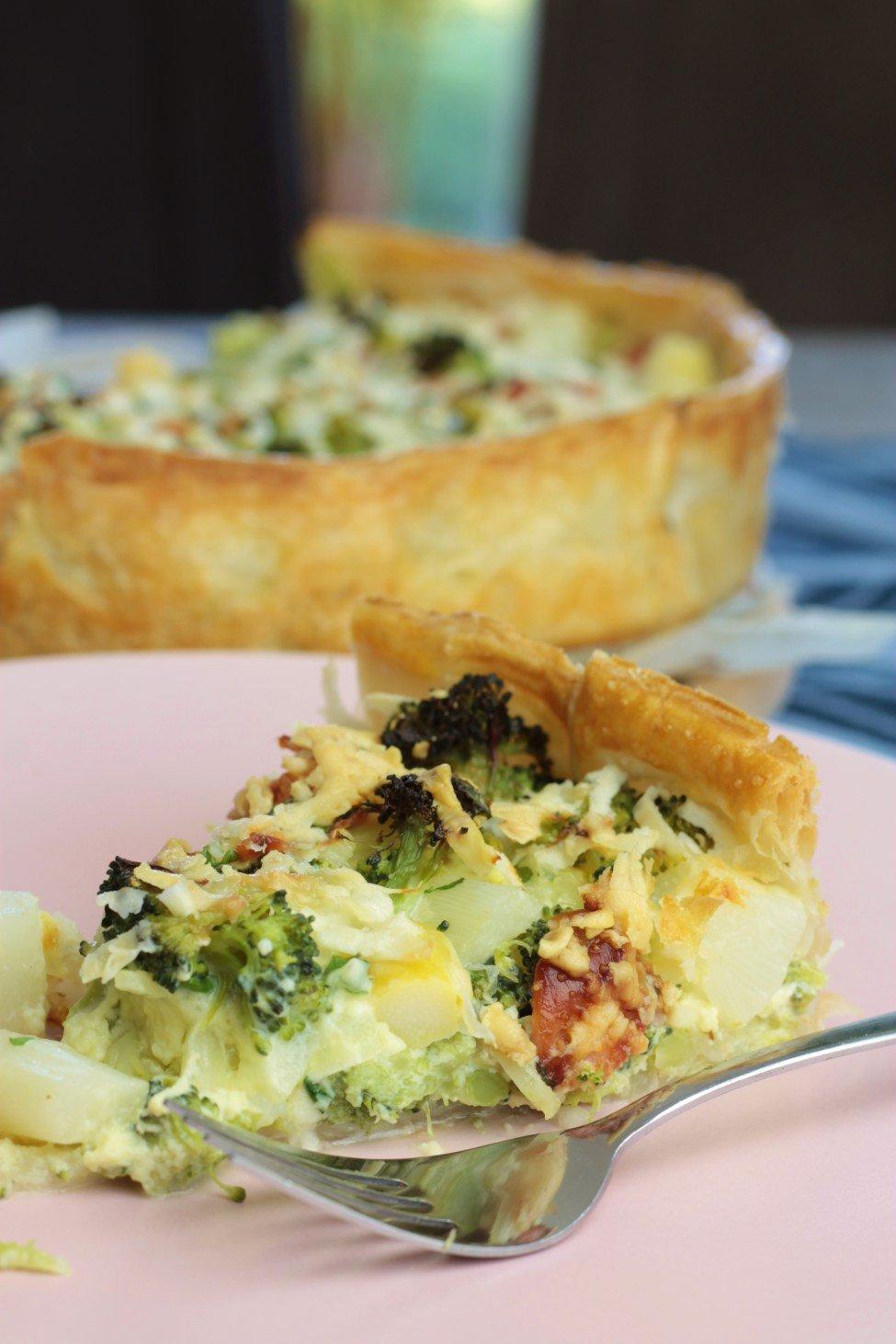 hartige taart met asperges,broccoli & bacon