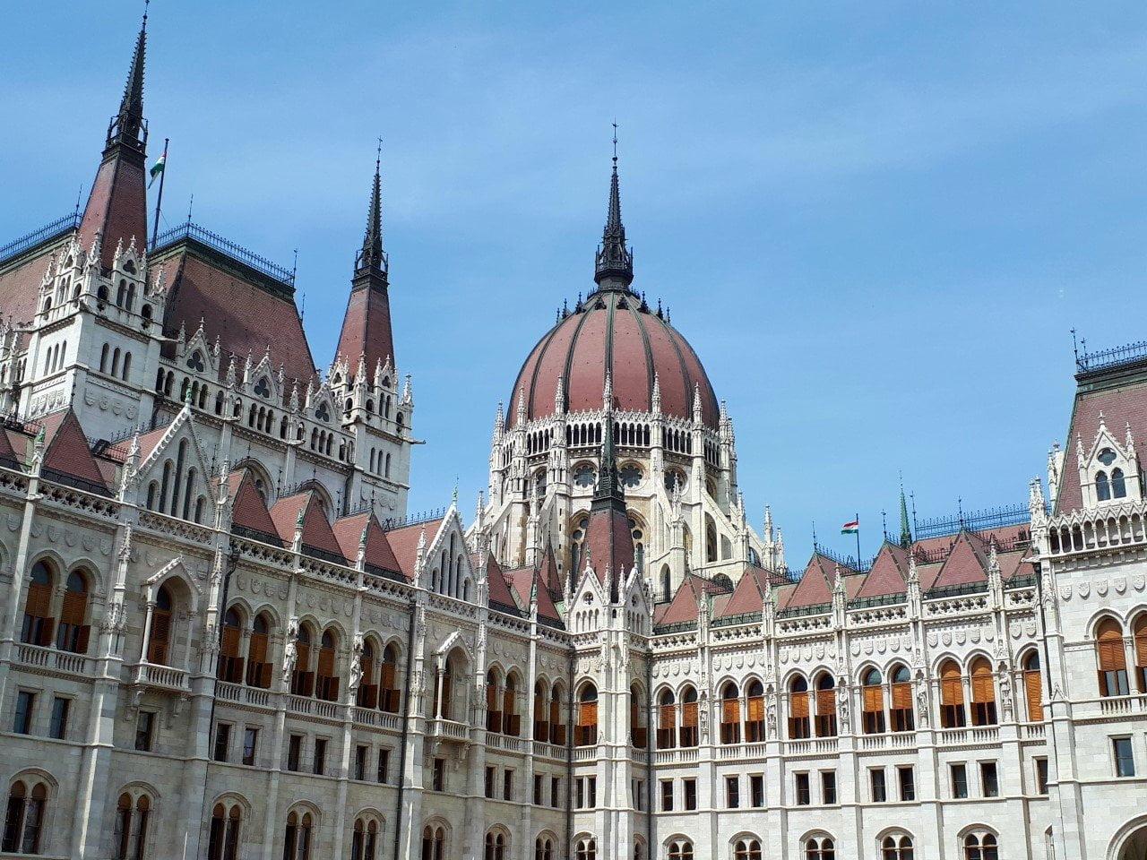 Boedapest: bijzonder gebouw foto van Chicamoms
