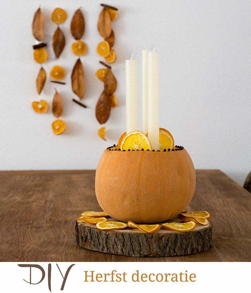 Herfst in huis met een pompoen als kandelaar -Diy.