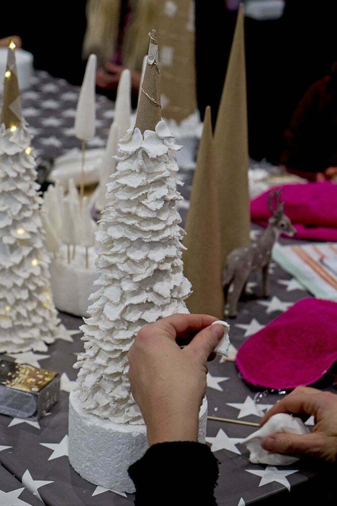 Je eigen kerstboom decoreren met boetseer klei