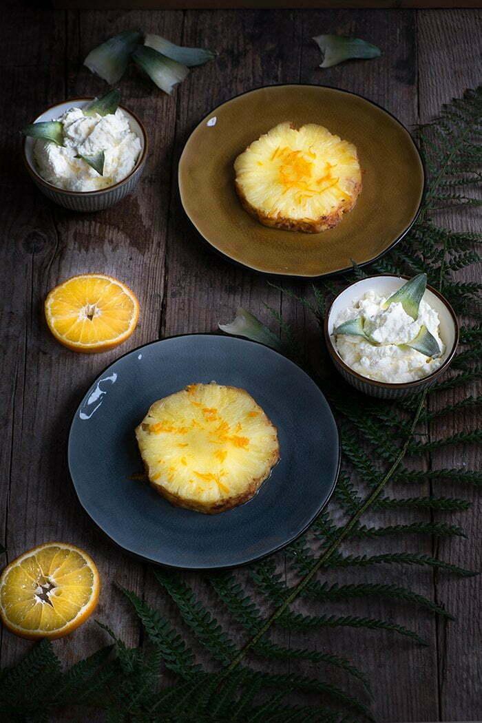 Geroosterde ananas in de oven met kaneel