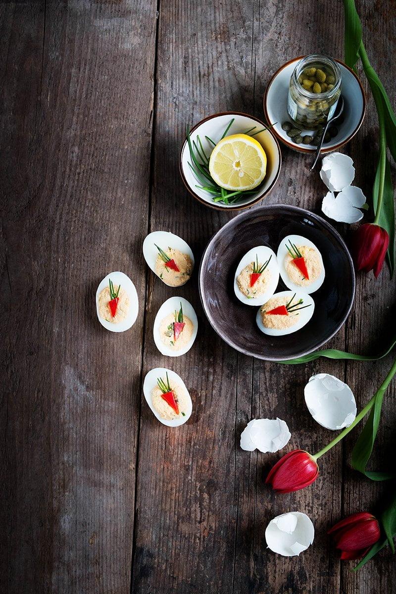 Gevulde eieren met zalmsalade à la mama