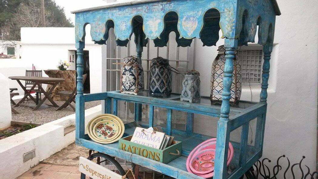 Oysters & Footprints: Ibiza