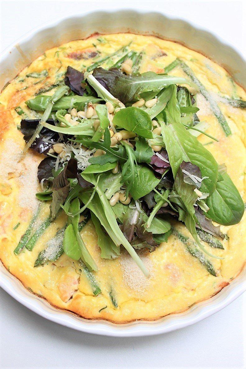 Frittata met groene asperges en zalm: foodinista.nl