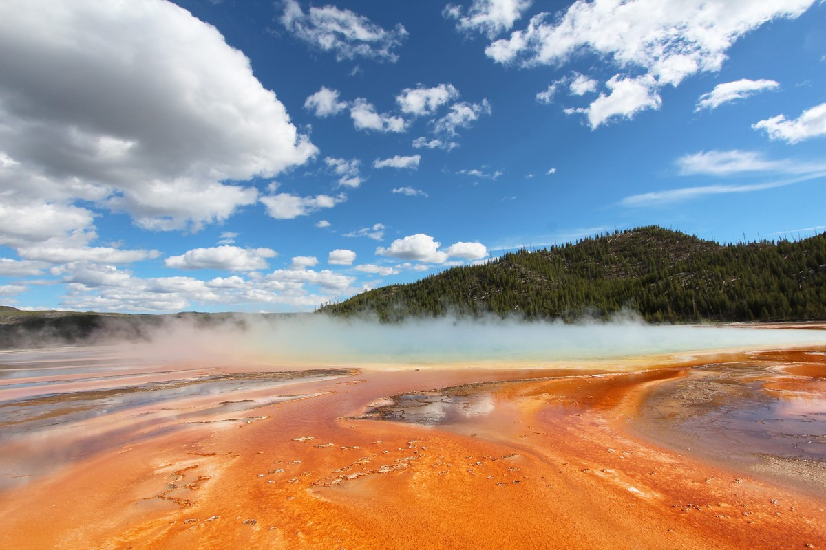 grand-prismatic-spring-yellowstone-mapofjoy