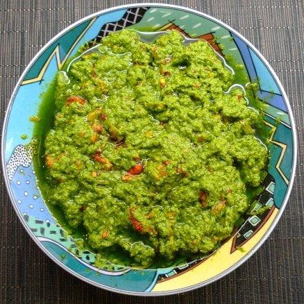 overheerlijke Oost-Indische kers pesto recept van Cora (cultfood.blog)