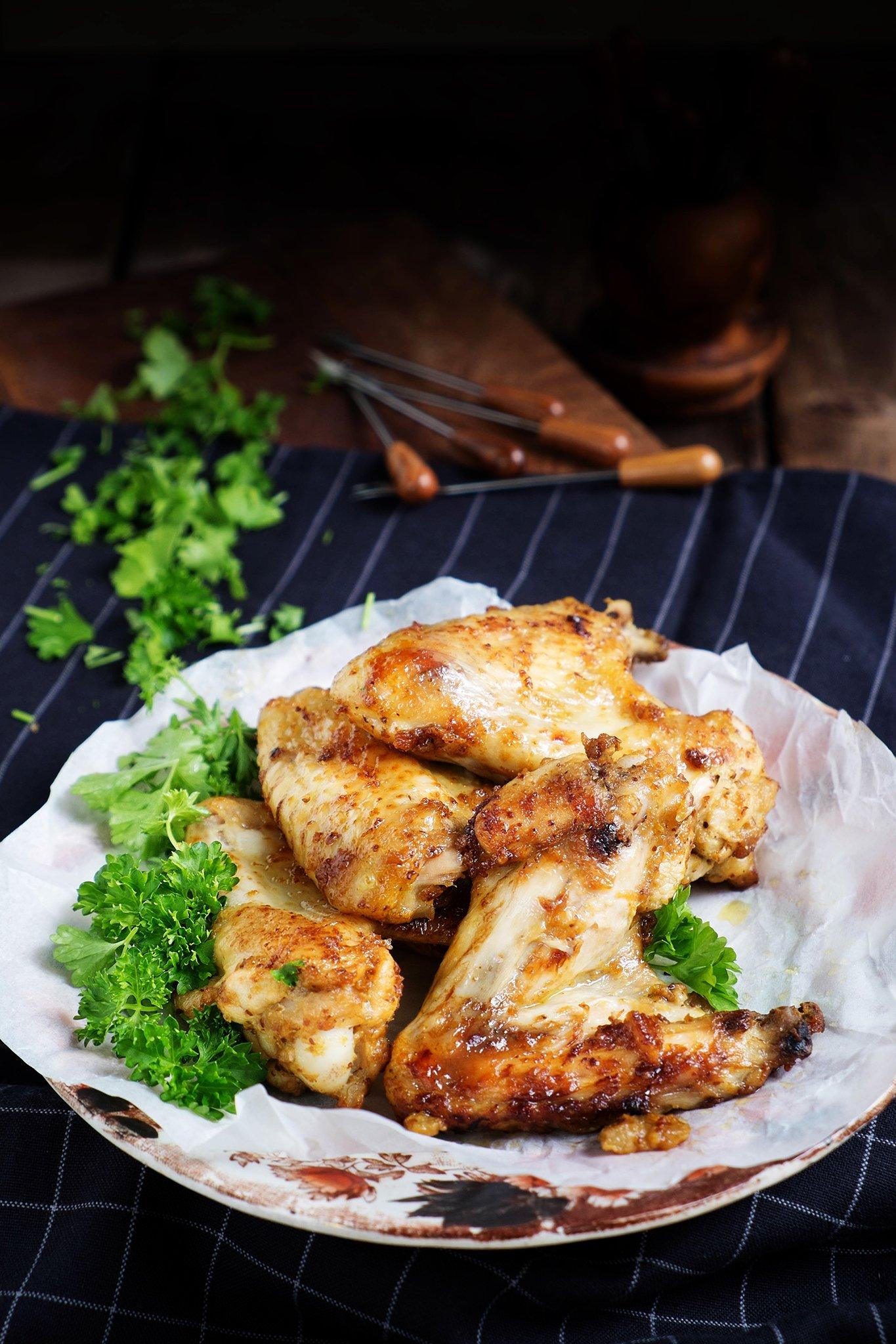 Hartige, kleverige kippenvleugels – Foodblogswap