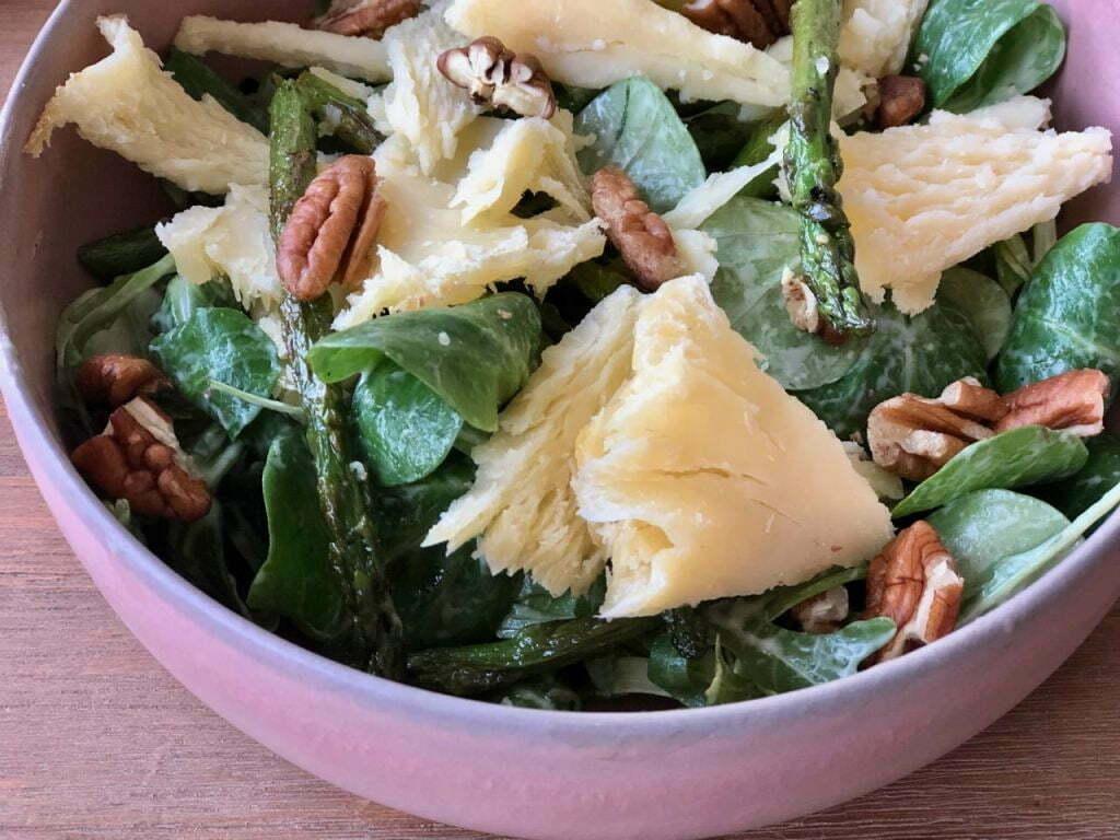 myhappykitchen.nl - groente/tete-de-moine-salade-met-groene-asperges