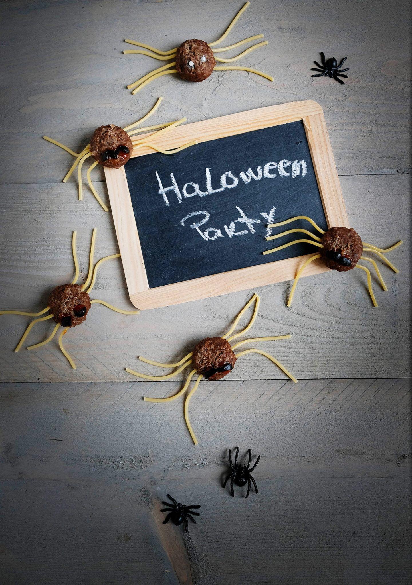 Halloween gehaktbal spinnen - Hartige hapjes