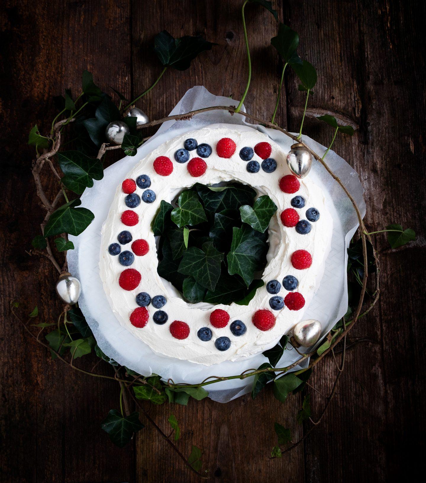 Pavlova kerstkrans van Anne-Marie - Foodblogswap