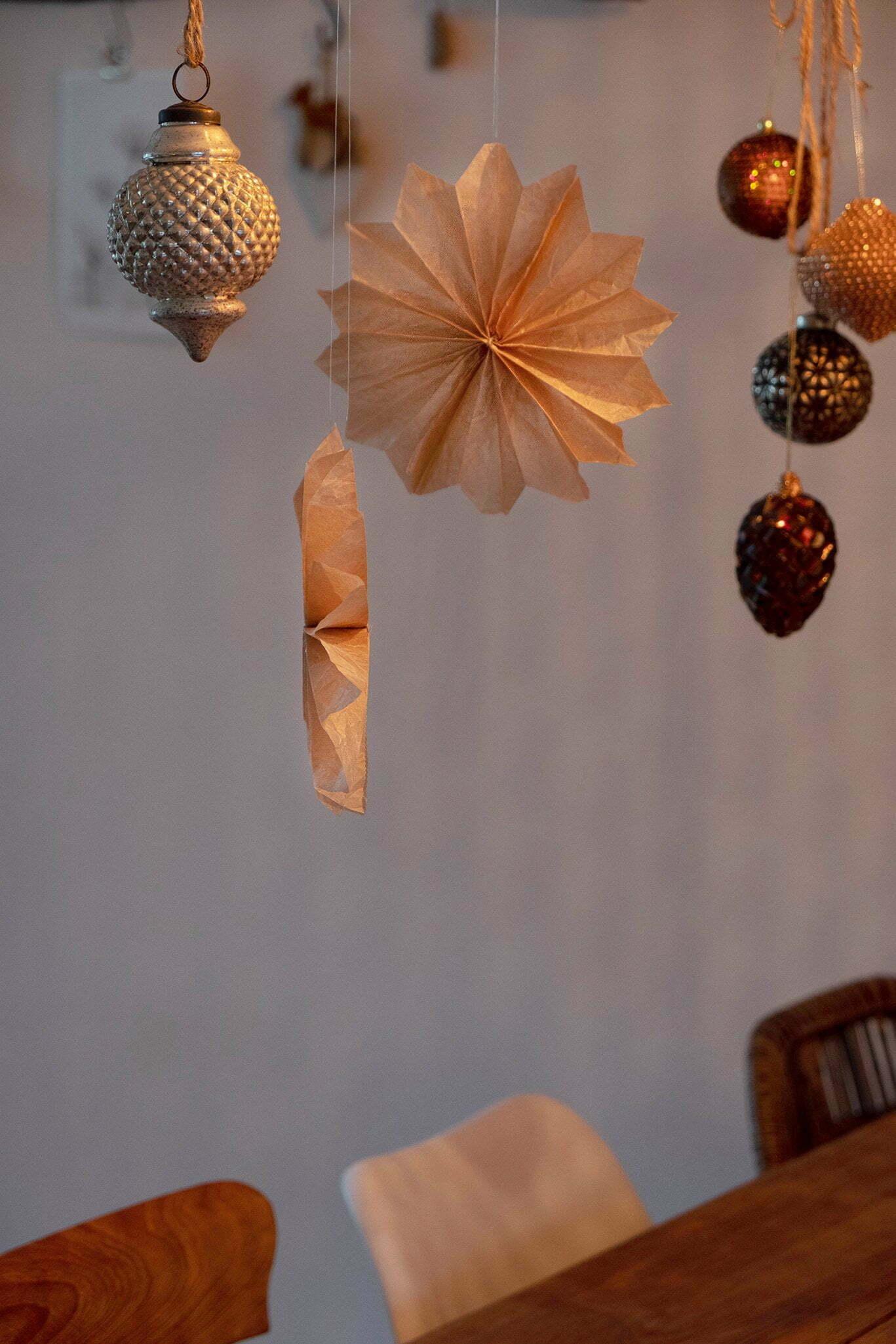 Papieren ster of ornament voor Kerst – Diy