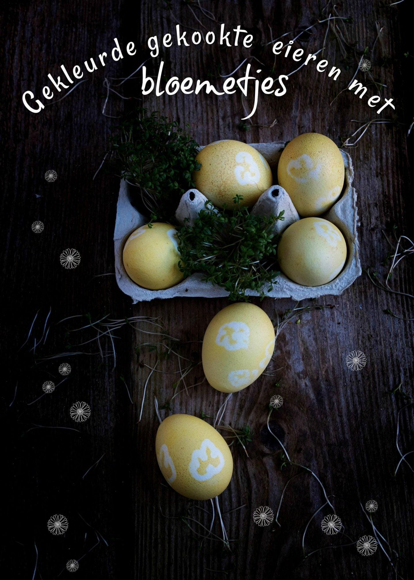 Gekleurde gekookte eieren met bloemetjes - Pasen
