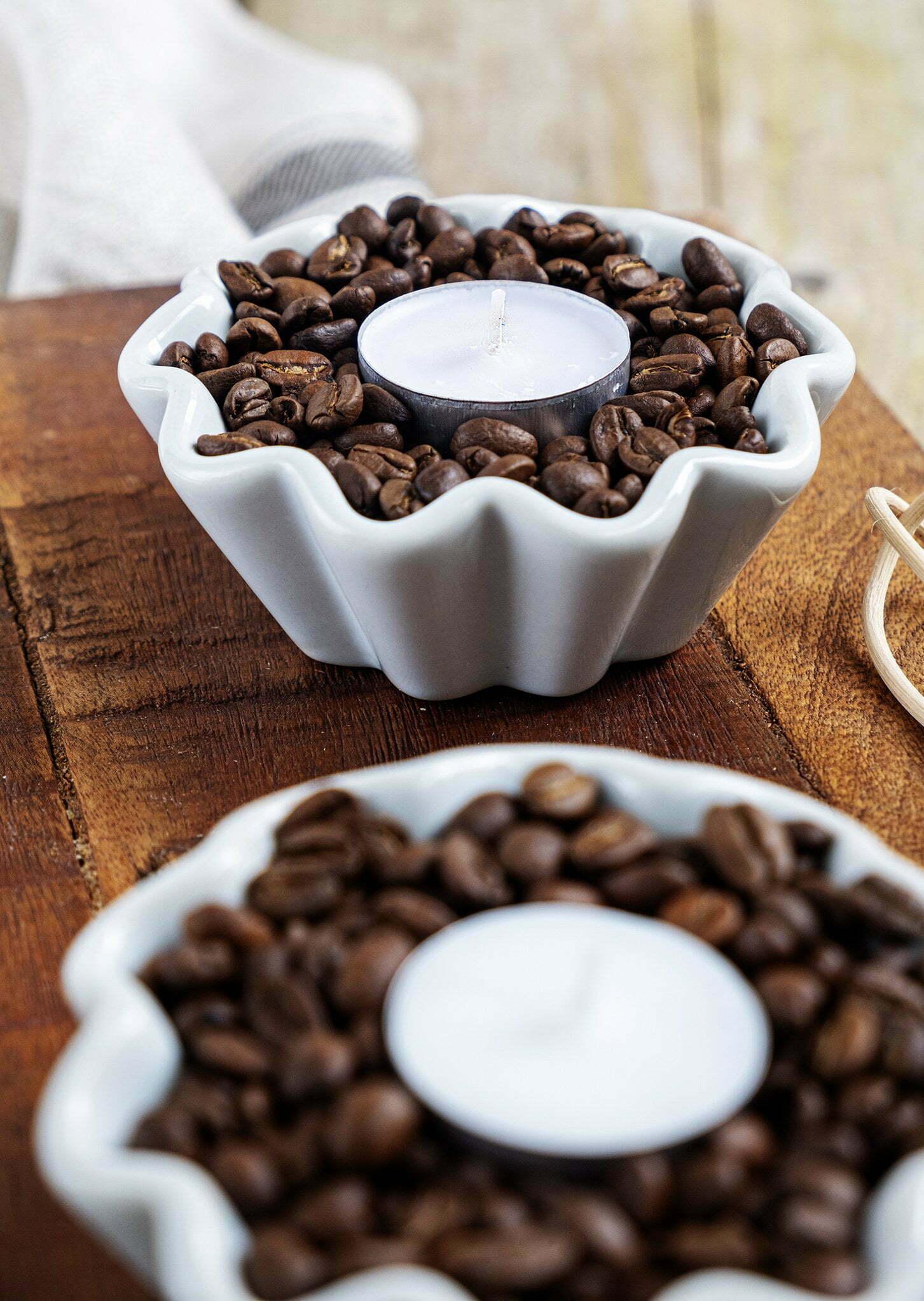 Theelichthouder decoratie met koffiebonen - Diy