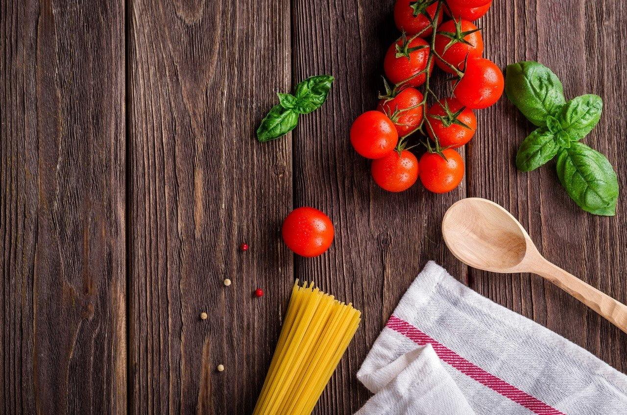 Vijf momenten waarop je liever niet zelf de keuken in duikt food