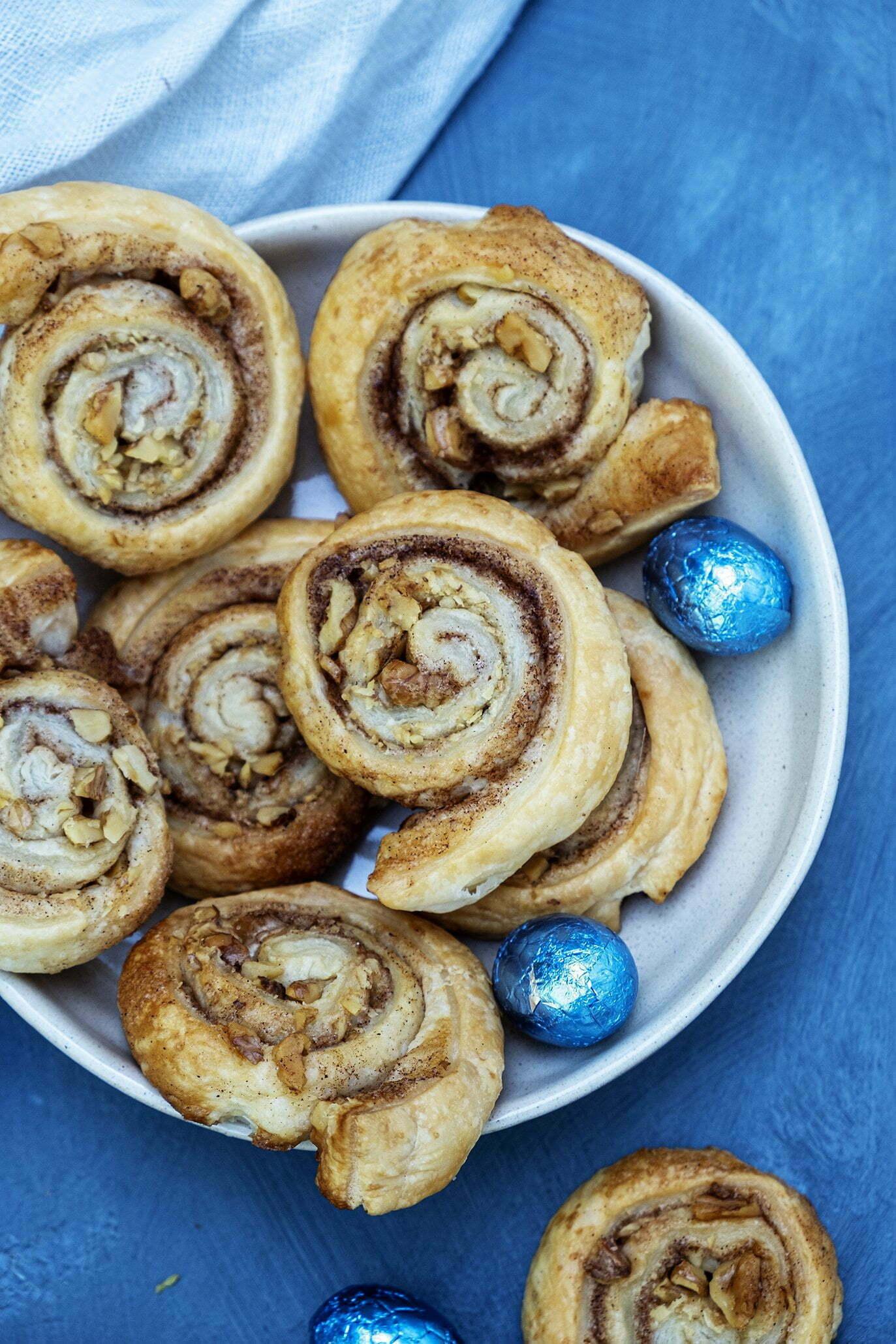 Pin: Cinnamon Rolls (Kaneelbroodjes) met walnoten