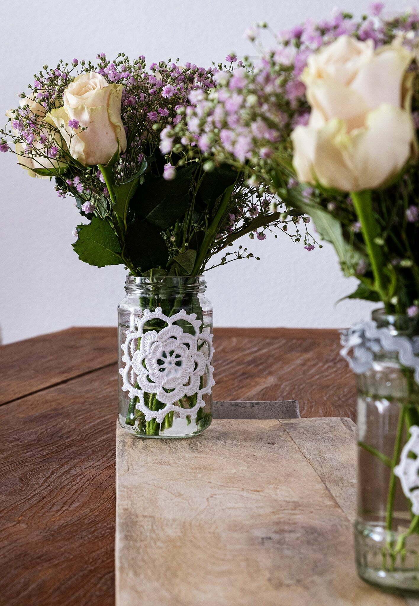 Potjes decoreren met een gehaakte rozet