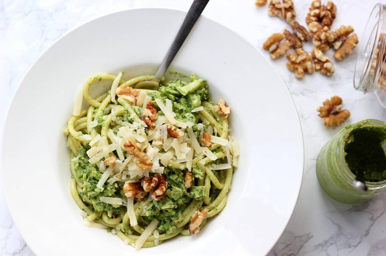 Keuken meid: Pasta pesto met rucolapesto walnoot en broccol