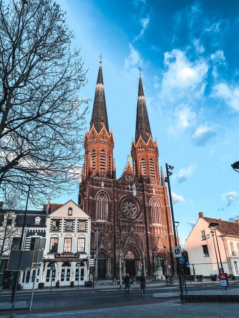 Kerk Tilburg Heuvel