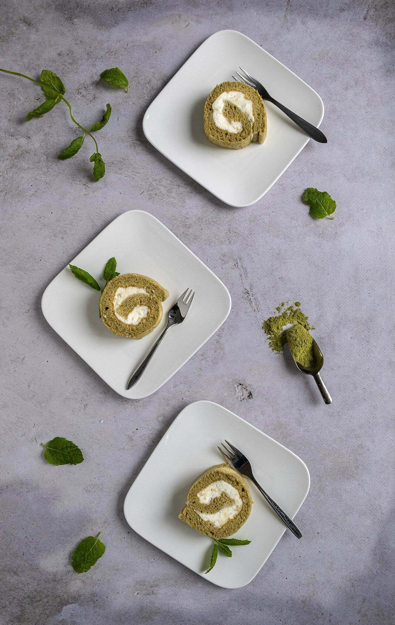 Cakerol met Matcha en slagroom