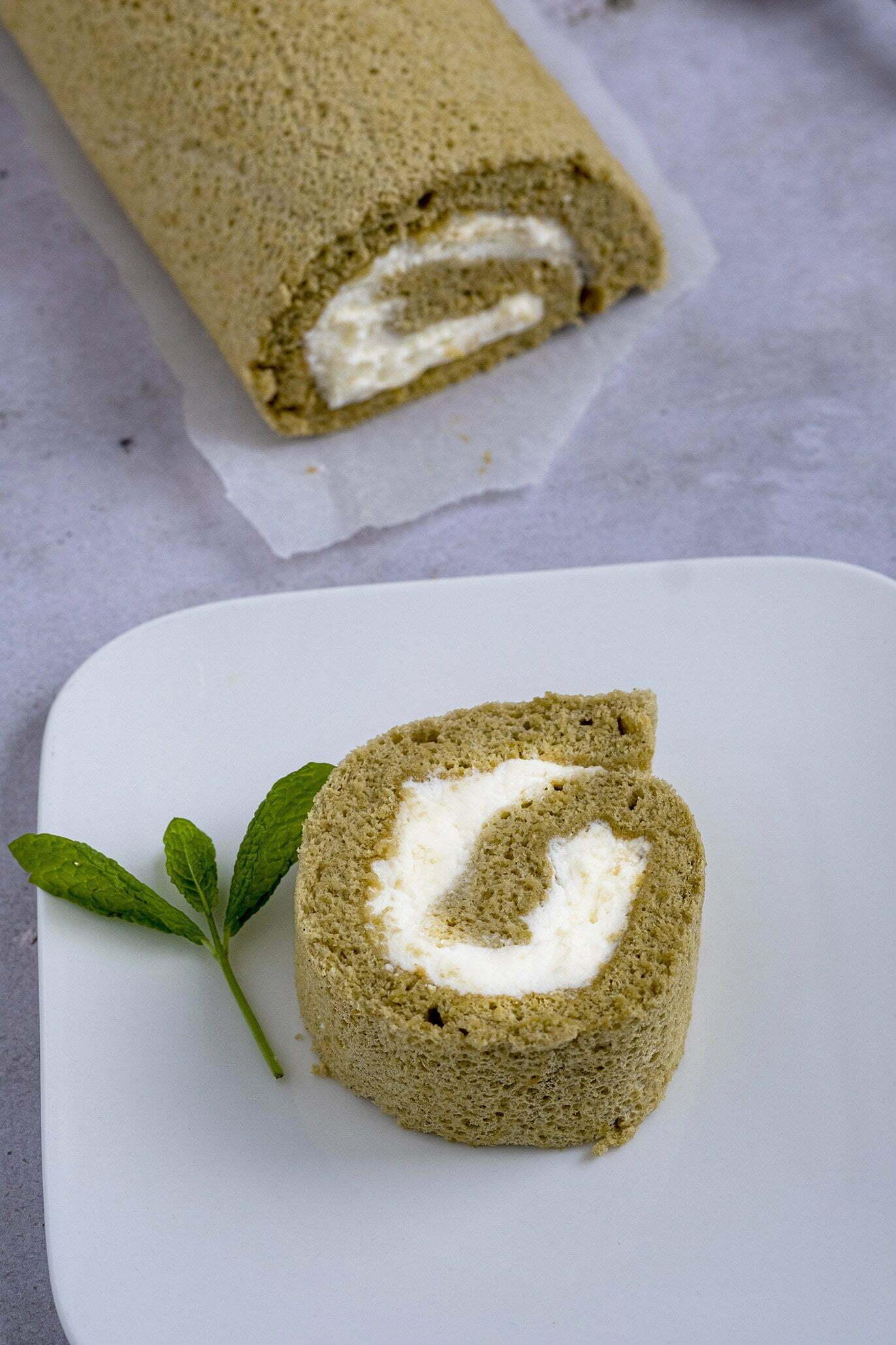 Cakerol met Matcha en slagroom - Taarten & Cakes