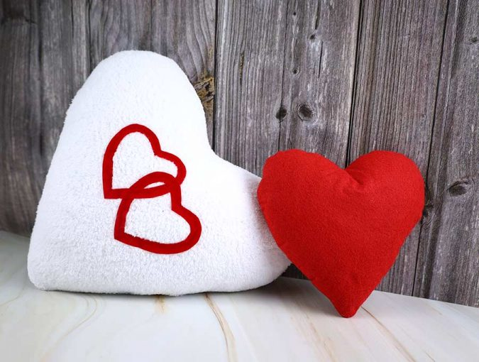 Hello sewing: heart pillow pattern