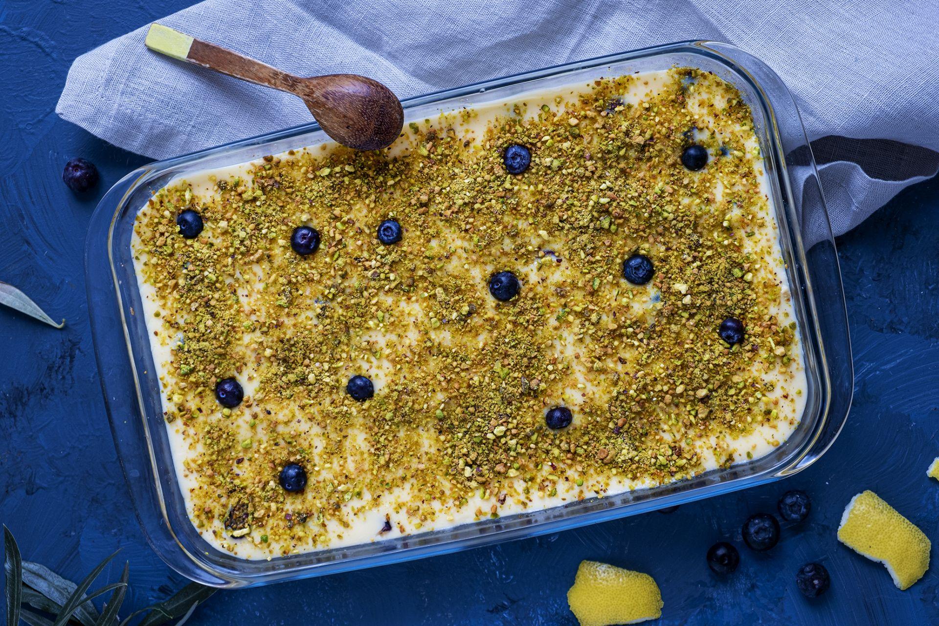 Dessert met gecondenseerde melk en pistache