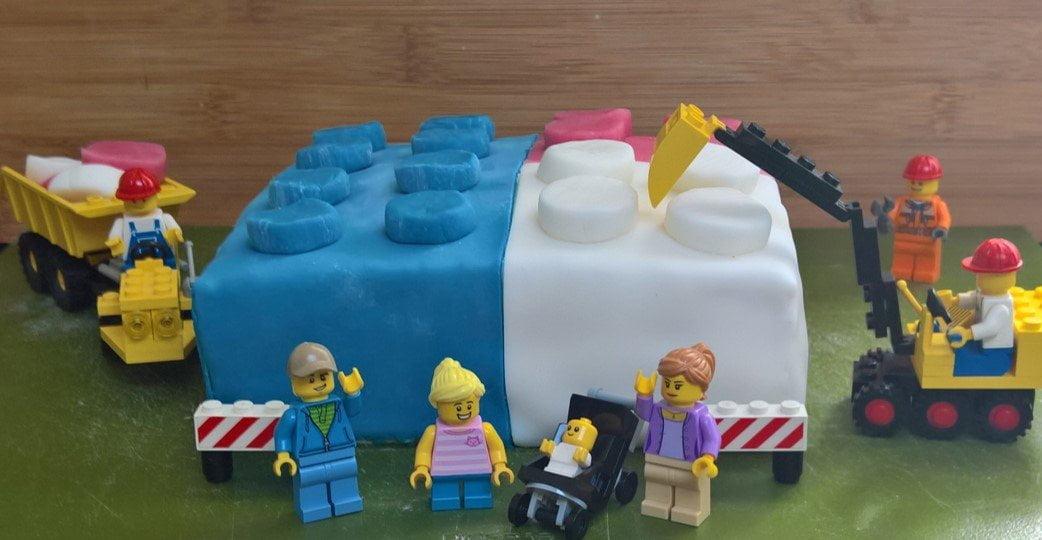 Creatieve Linkparty favorieten van februari: Lego verjaardagstaart