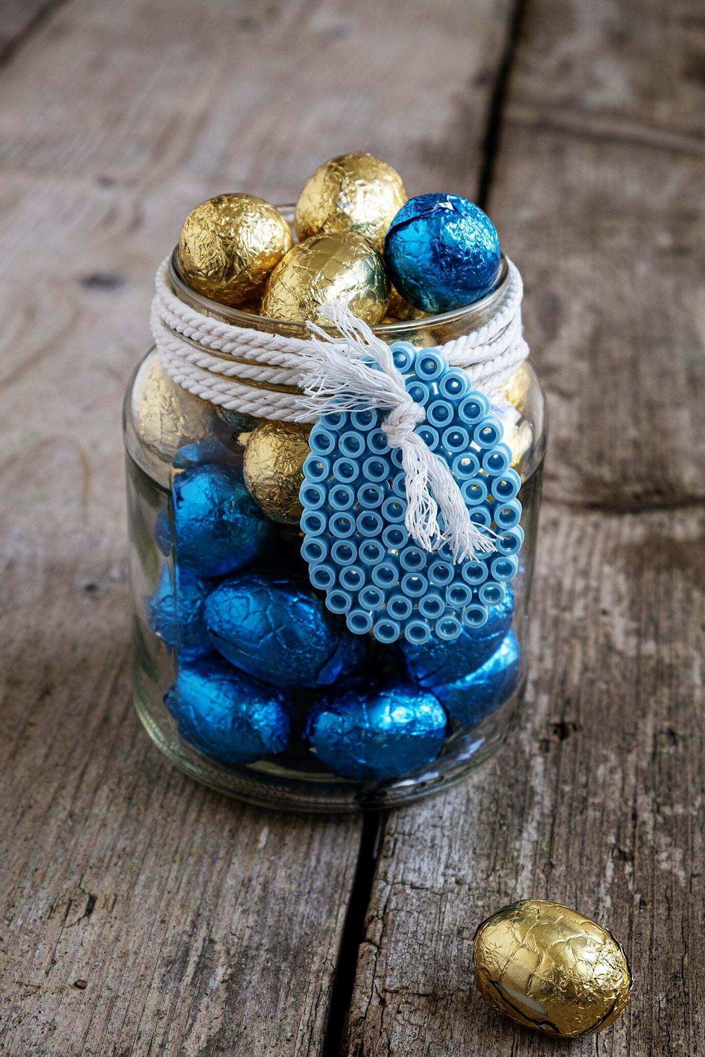 Decoratie voor Pasen met afval/recycle