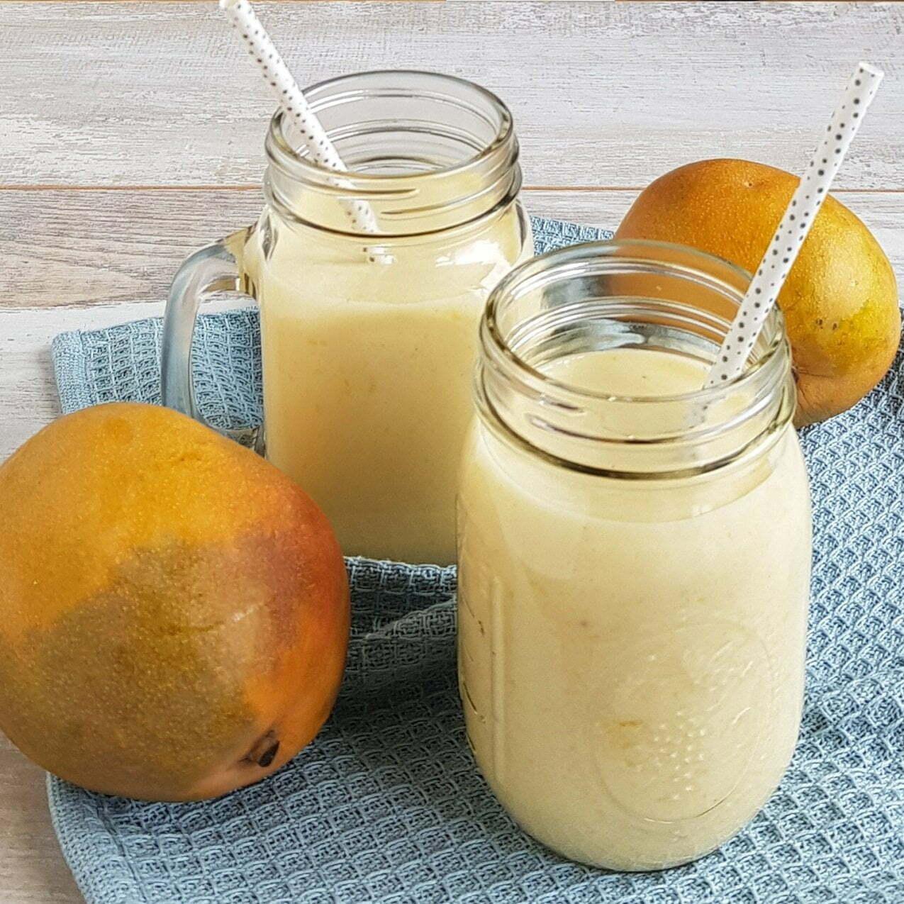 Smoothie met abrikoos mango en banaan